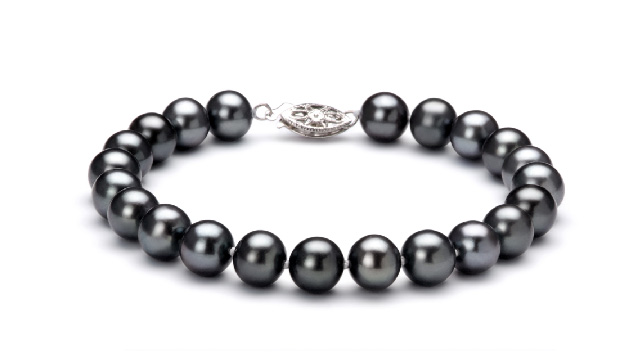 View Bracelet de perles d'eau douce noires collection